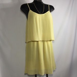 Parker | Pleated sunny yellow Dress